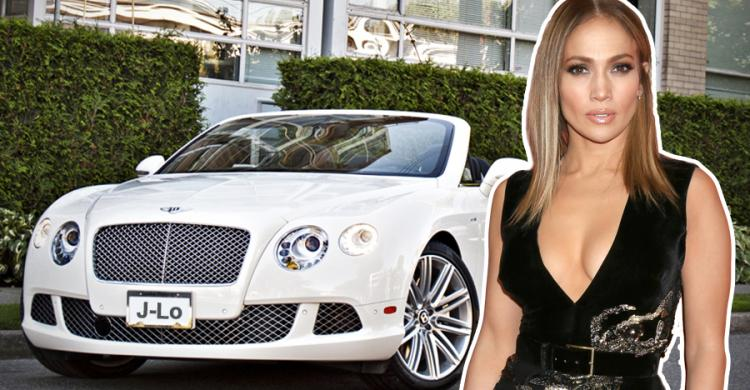 Jennifer Lopez a Bentley mellett