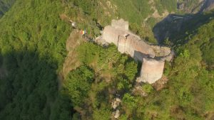 Madárnézetből a poenari vár