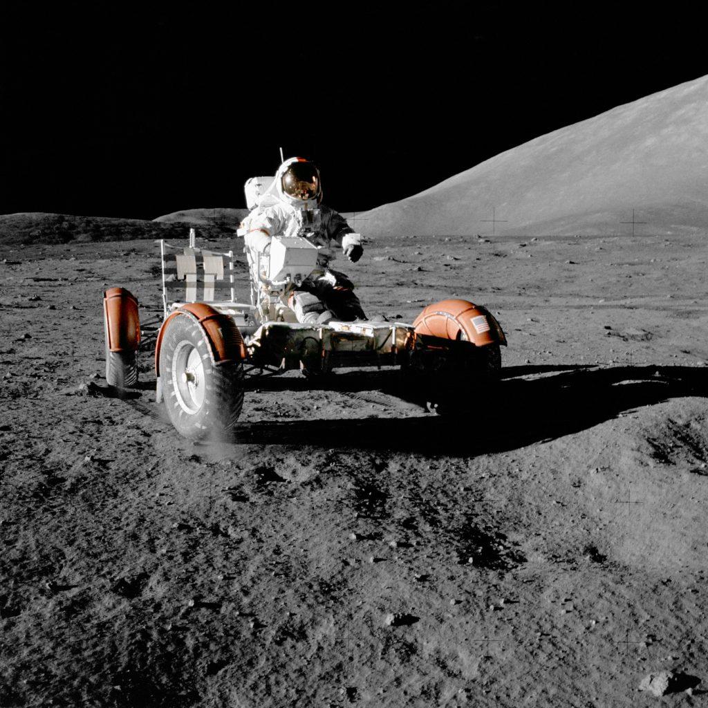 Puritán váz, a minél kisebb súlyért, hogy lehető legkevesebb üzemanyagba kerüljön a Holdra juttatása