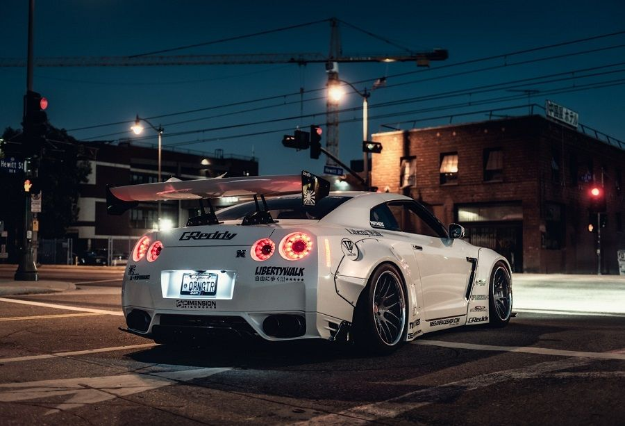 Liberty Walk Nissan GTR tuning
