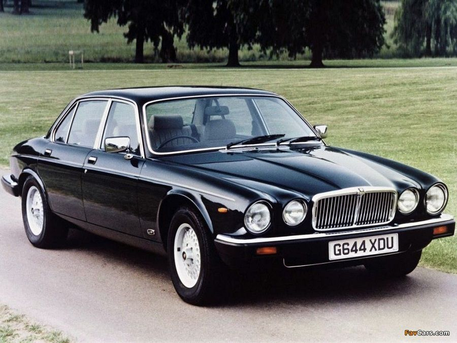 Jaguar XJ3-as Angliából