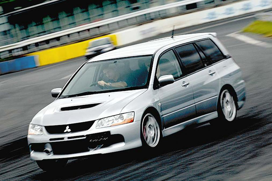 Mitsubishi Lancer Evolution IX MR Wagon kombi versenyautó
