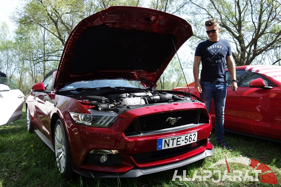 2016-os Ford Mustang GT